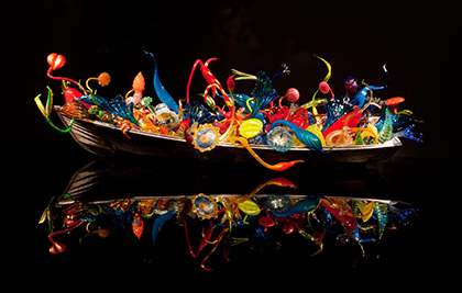 Dale Chihuly<br />Float and Ikebana Boats<br />2012<br />Seattle, Chihuly Garden and Glass<br />Photo Terry Rishel<br>